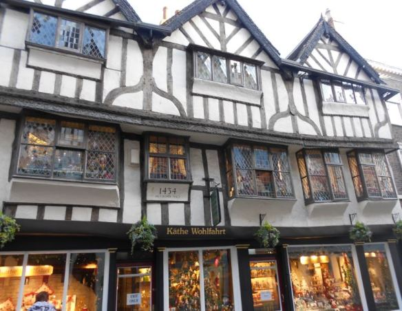 Crooked Christmas Shop on Stonegate
